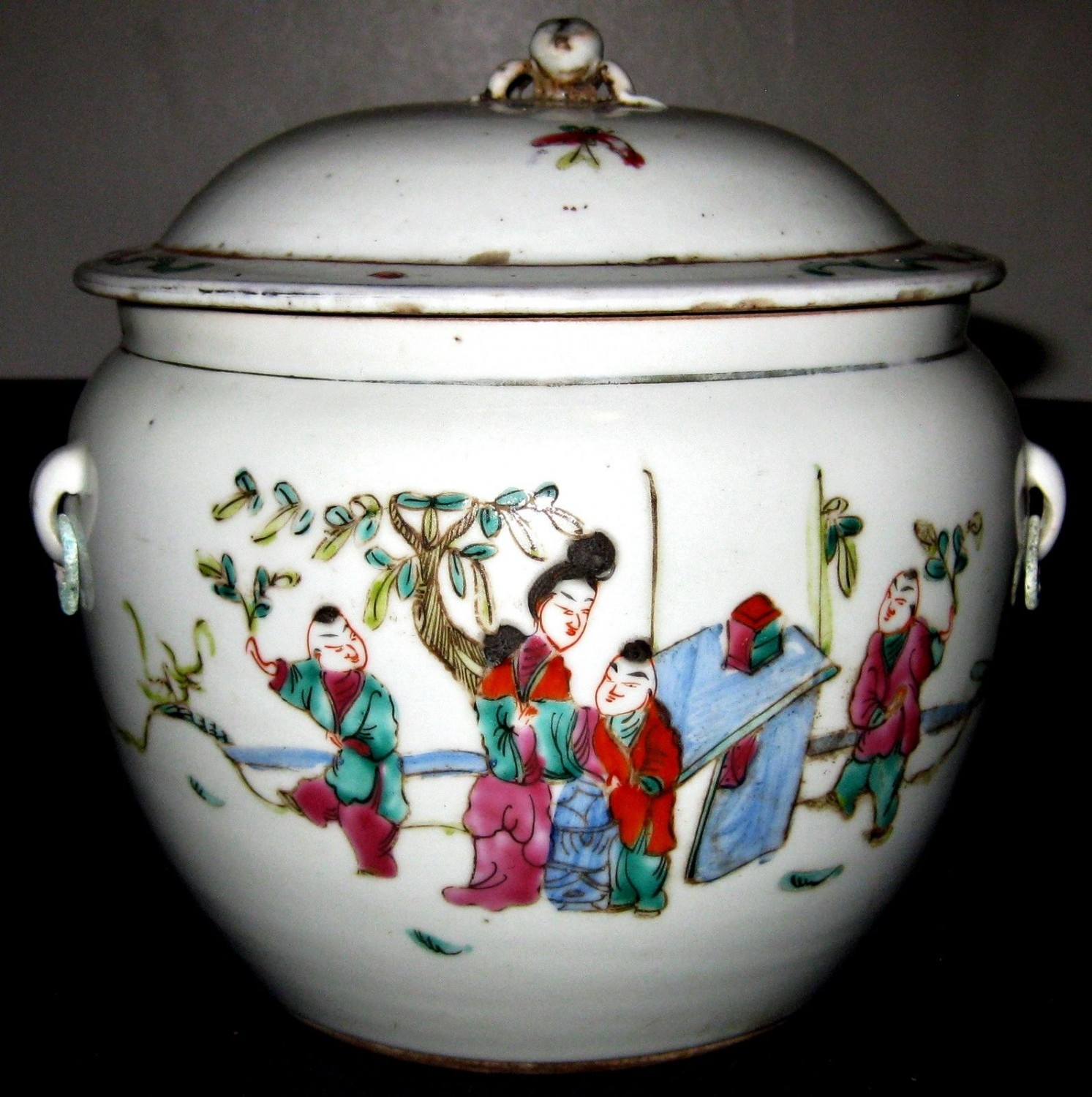 Chinese circular famille verte Export tureen & cover,Hand painted, 19th C., NR.
