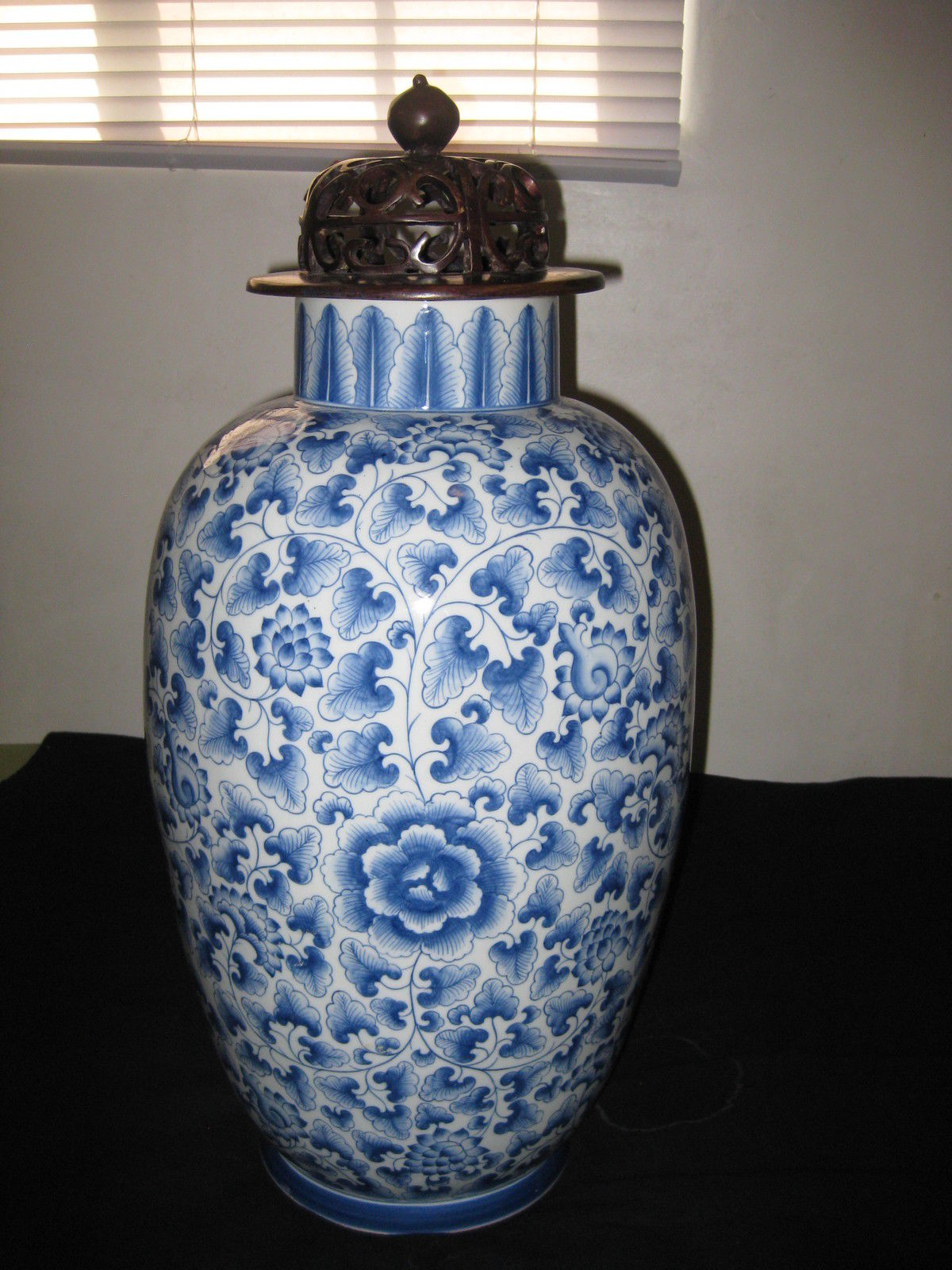 ANTIQUE CHINESE PORCELAIN BLUE AND WHITE VASE,19TH CENTURY WITH SOLID BRONZE LID