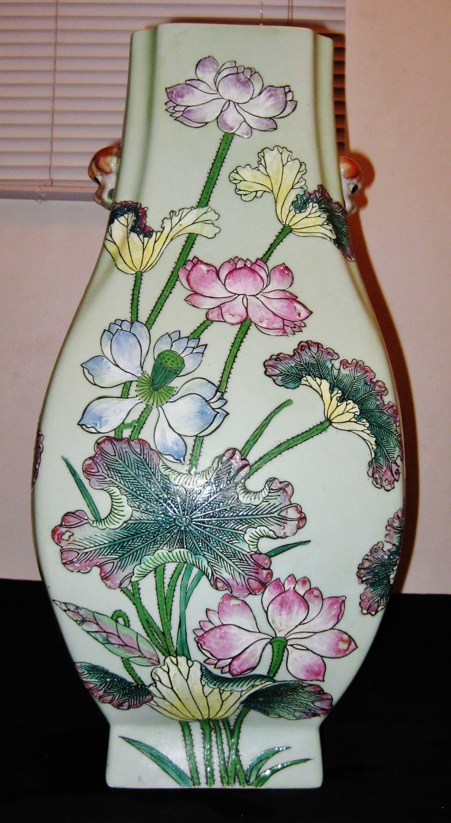 Vintage Chinese Hand Painted Porcelain Huge Vase, Red sign, 19th Century.