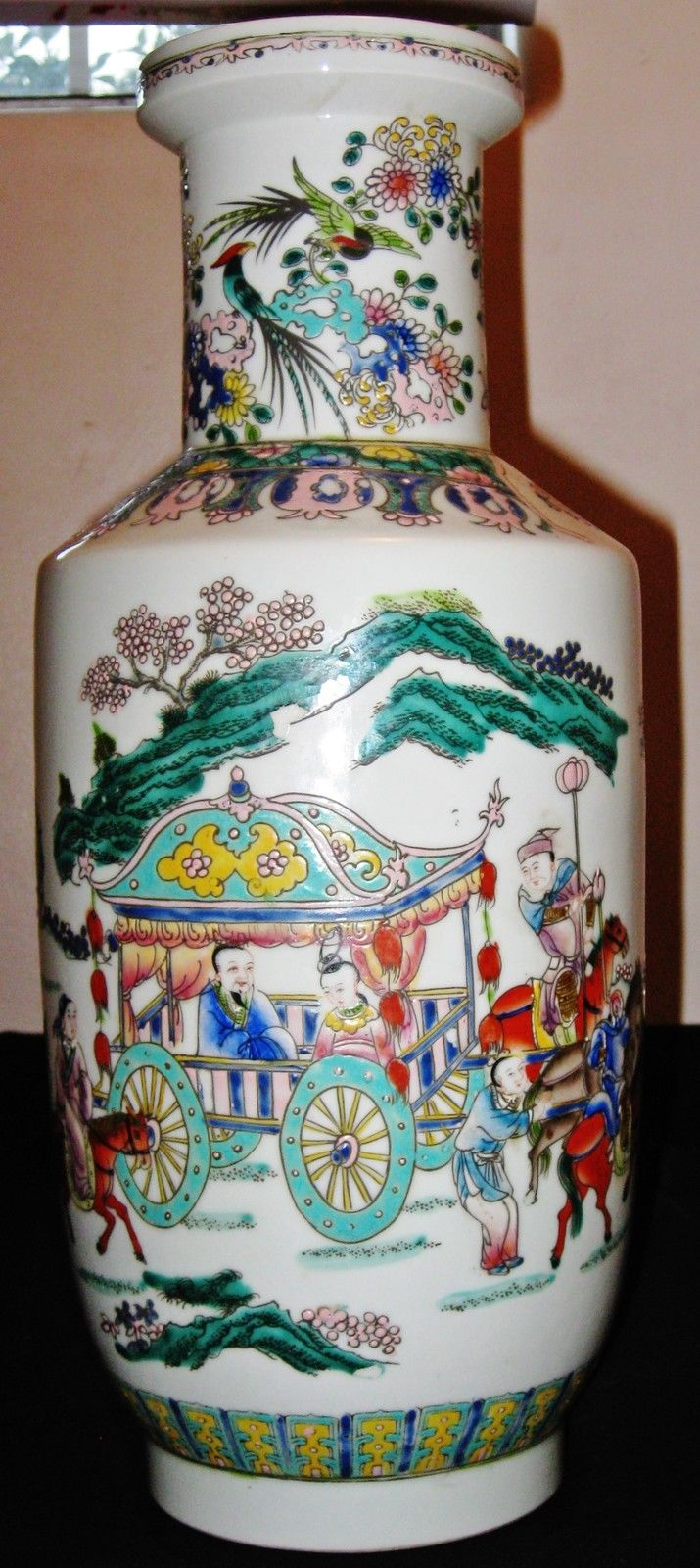 Antique Chinese Figures Hand Painting Porcelain Vase,18th C., KangXi Mark.