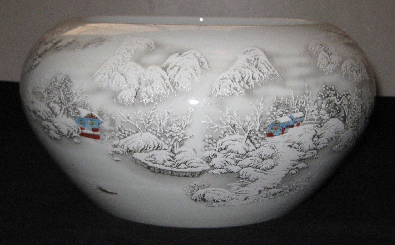 A Republic period Big Brush Washer With Snow Scene, Artist He Xuren Signed.