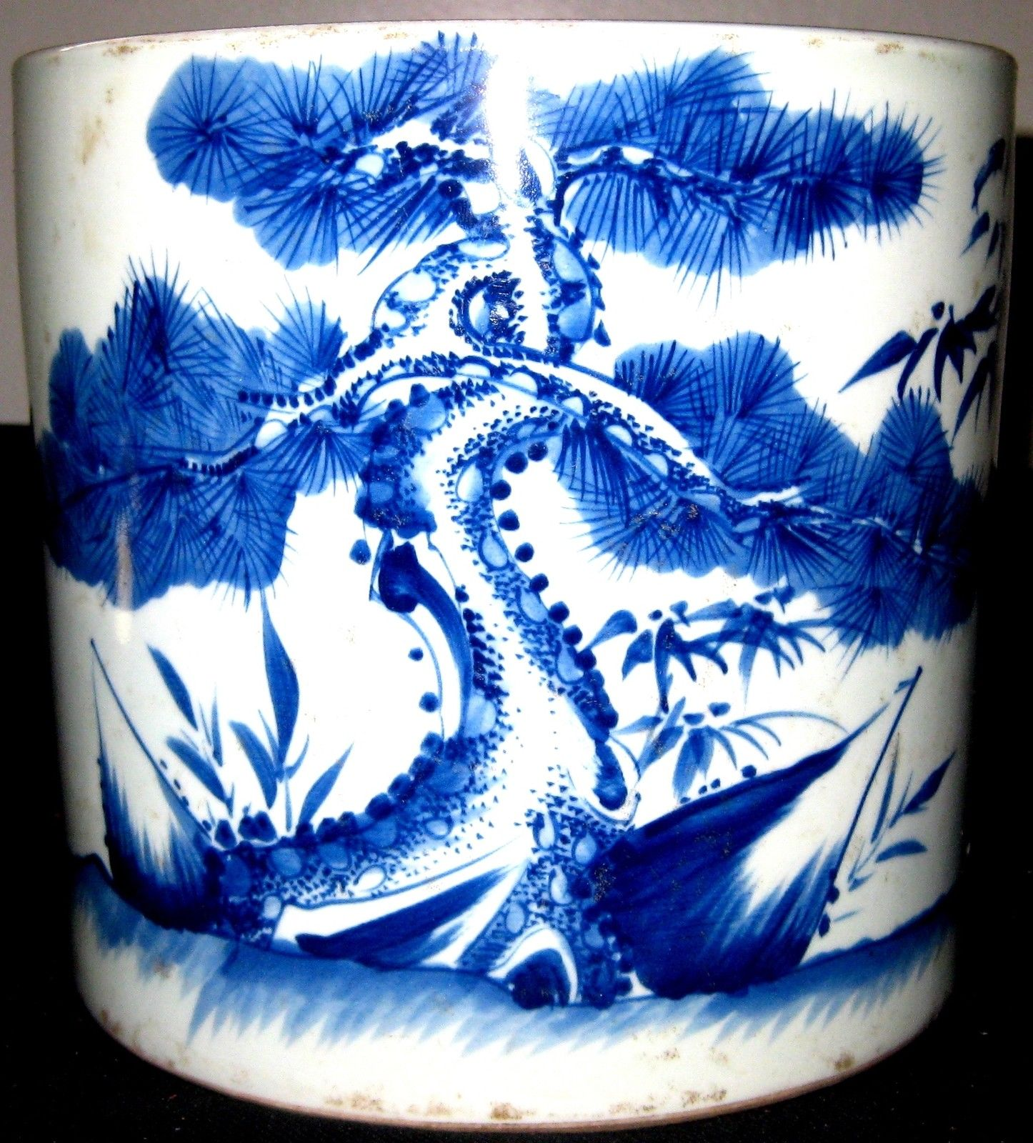 ANTIQUE RARE CHINESE BLUE & WHITE PORCELAIN BRUSH POT, KANGXI MARK, 19TH C., NR.