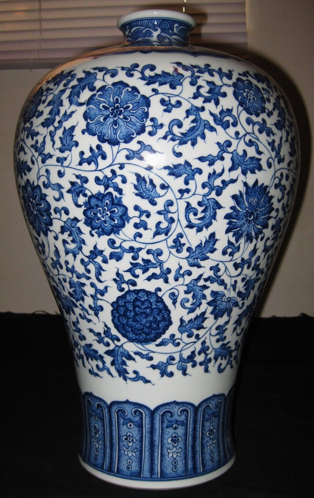 ANTIQUE CHINESE BLUE & WHITE - LOTUS MEIPING, PORCELAIN VASE - QIANLONG-MARK.