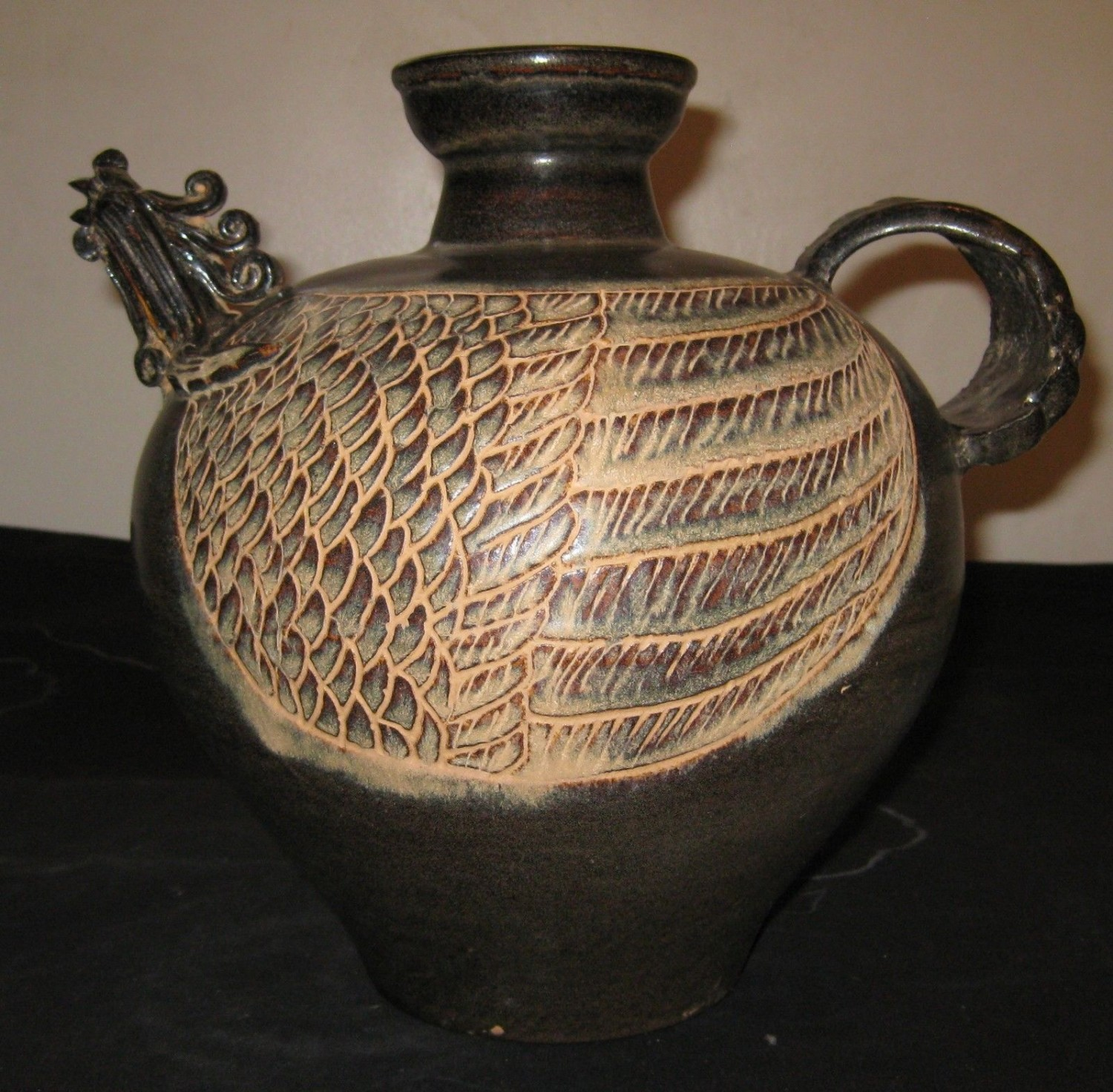 Antique Chinese Southern Song dynasty Pottery Tea Pot, 12th or 13th Century.