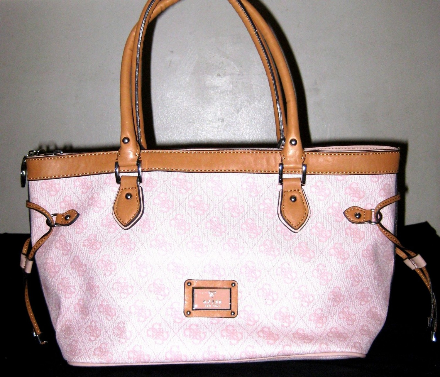 Guess Handbag, Madaket Medium Carryall